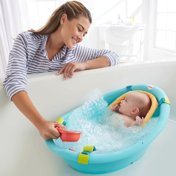 Newborn Baby Bathing Time