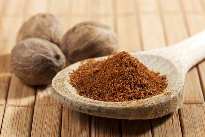 Apply Nutmeg Paste